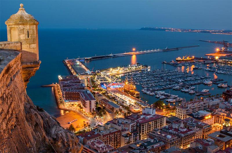 Alicante-vista-del-puerto-y-cota-cero